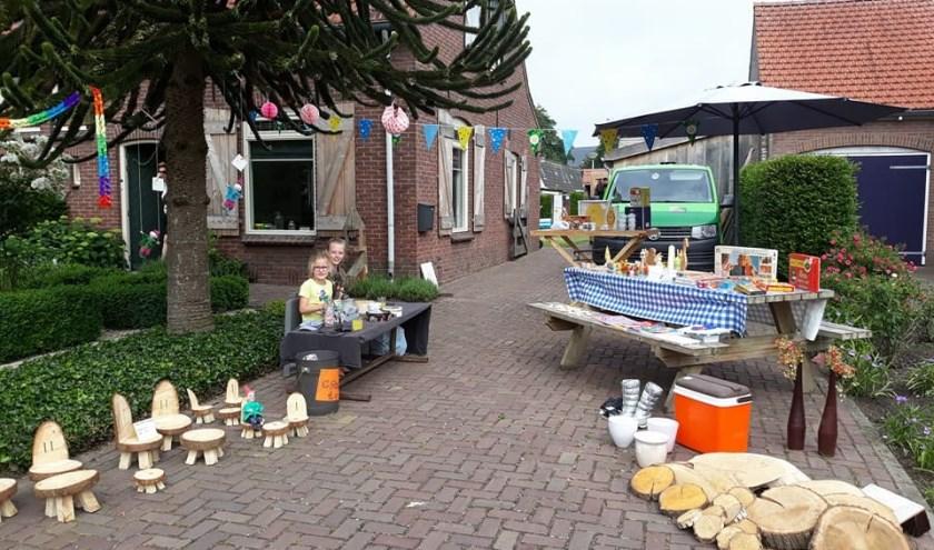 Handel en Wandel in de straten van Harreveld.