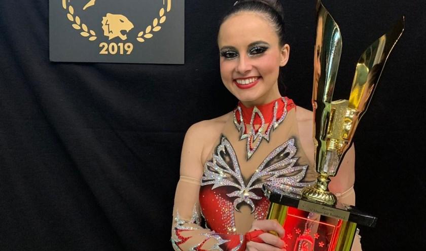 Maxime Boumans is apetrots op haar eerste plaats op het Europees kampioenschap in Frankfurt. (foto: eigen foto)