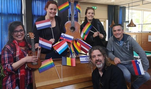 De gelegenheidsband voor de gratis Songfestival After Party. Foto: Pleun van de Schoor.