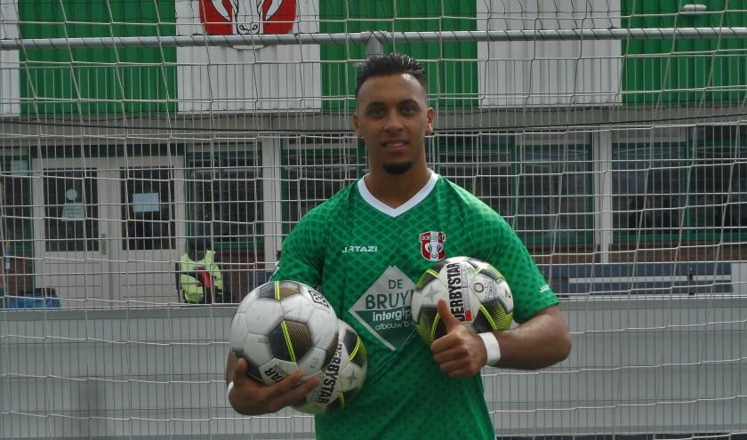 Met drie goals en één assist was Ilhan Solak in de stadsderby met SSW de gevierde man bij FC Dordrecht Am dat met 6-0 won.