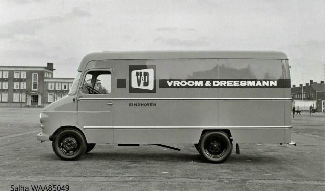 'nen Autoo van de V&D op 't Vredesplein. Wilt u reageren? Dat kan door te mailen naar wolluksepraot@erstelinghe.nl.
