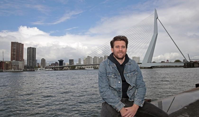 Luvas van Oeveren aan de boorden van de Maas in Rotterdam.