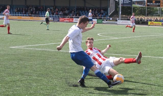 Den Ham boekte zaterdag tegen IJVV een overwinning 'op karakter'. Foto: Herman van de Schuur