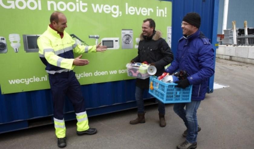 Lokale vereniging of goed doel maakt kans op Wecycle-sponsorcheque van 1.000 euro met inleveren e-waste op gemeentelijke milieustraat. FOTO: Wecycle