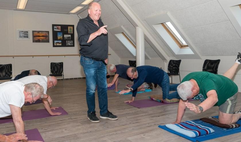 Co  van Bennekom leidt graag zijn groep 'Mannen in Beweging'. Foto: R. vd. Brandt