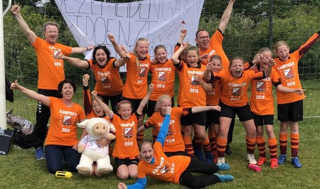 Het meidenteam MO11 van FC Zutphen.