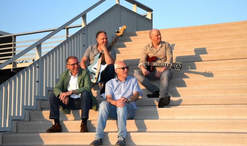 De vaste begeleidingsgroep van Multi-Music, met pianist Martin Boskamp, bassist Marcel Perik, drummer Peter Boermans en gitarist Simon Dekker. (Foto: pr)