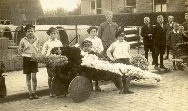Wagentje gebroeders Breukers uit 1933. (Foto: OVL)