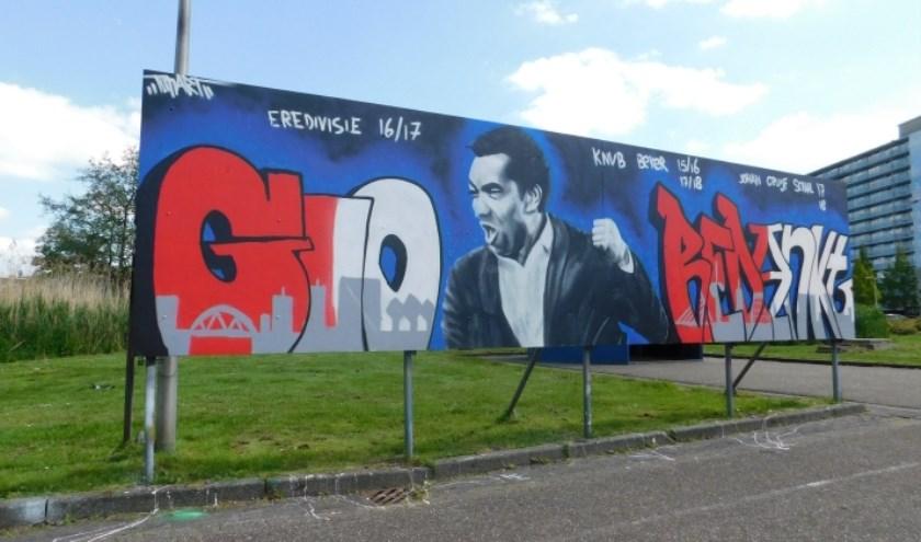 De graffitti voor Gio, inmiddels ex-trainer van Feyenoord.