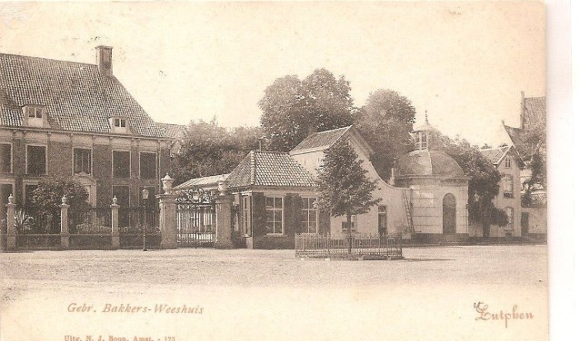 Gravenhof met Wilhelminaboom. (Foto: Musea Zutphen)