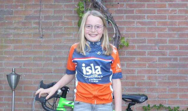 de negenjarige Charlotte Mulder. Zij gaat op 29 mei de beklimming aan voor familievriend Ronnie Moller.
