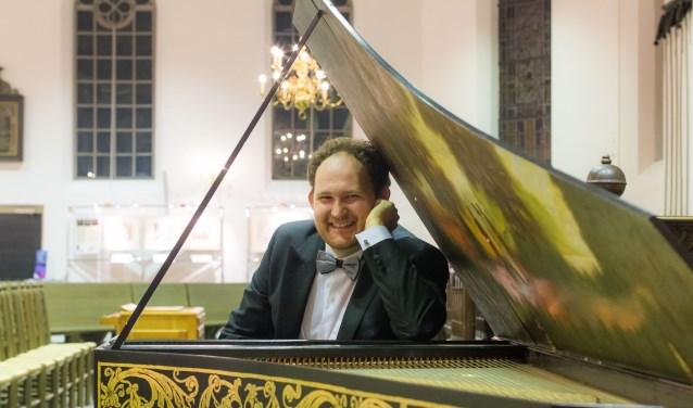 Sopranen Ingrid Kappelle en Mirjam IJsseldijk geven met klavecinist-organist Gerard de Wit een bijzonder concert op de planken: 'Meester & Gezel'
