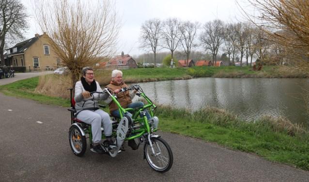 SWA en Esperanza hopen dat veel inwoners van Albrandswaard van de Duo Fiets gebruik gaan maken. Foto: Sjors Ribeiro Edison