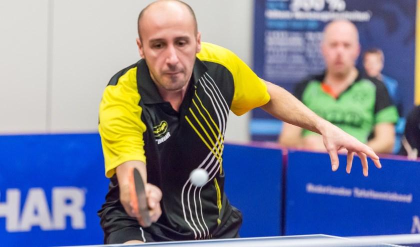 Nermin Smajic maakte indruk met winst in beide enkelspelen. FOTO: Scyedam