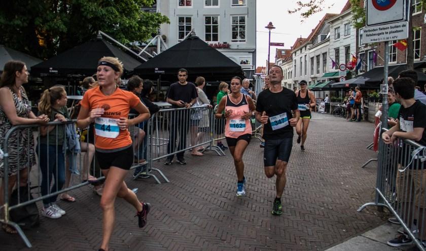 het centrum van Middelburg is  vrijdag 7 juni het toneel voor de 19e ZLM-Don Stadsloop. FOTO PR