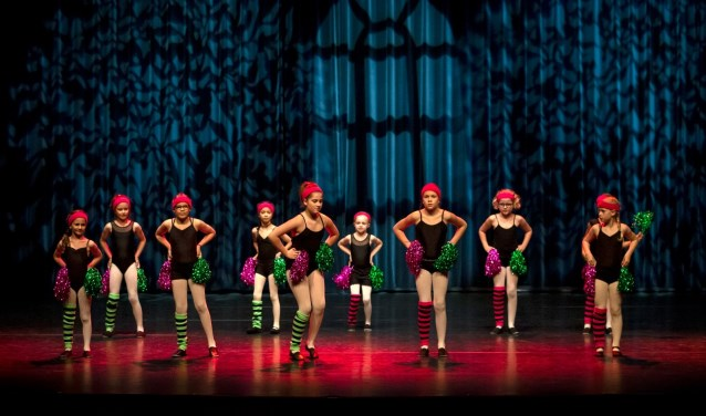 Dansers schitteren op podium