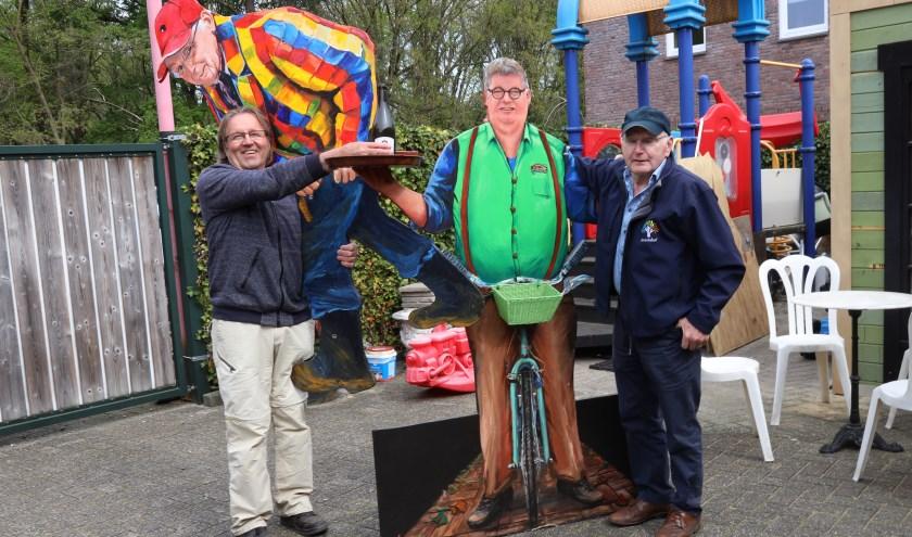 Bert Verweijen en Pieter van den Elzen maken deel uit van de werkgroep die de kunstroute organiseert. (Foto Marco van den Broek)
