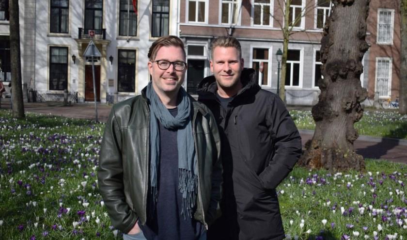 Initiatiefnemer Allan Vos (links) en Groep de Mos-raadslid Ralf Sluijs