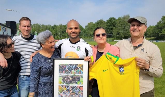 RCD's aanvoerder Koen Willemsen zwaaide met zijn familie op Braziliaanse wijze af bij zijn club