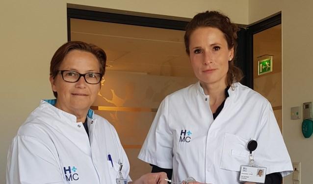 Dr. Van Alem en dr. Peeters voerden de ingewikkelde operatie onlangs voor het eerst succesvol uit.