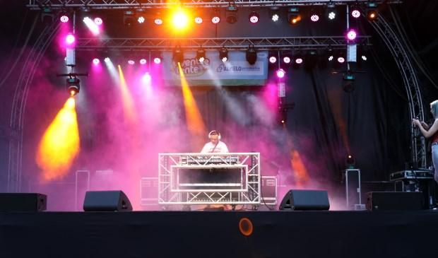 Net als bij voorgaande edities van het Twentse Lente Festival, treden ook dit jaar tal van artiesten en DJ's op