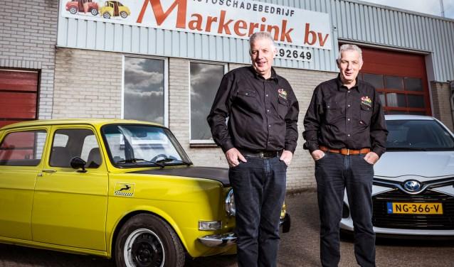 Bert en Wim Markerink vieren dat hun 'leefhebberieje' veertig jaar bestaat. Dat wordt vrijdag volop gevierd met klanten en andere relaties.