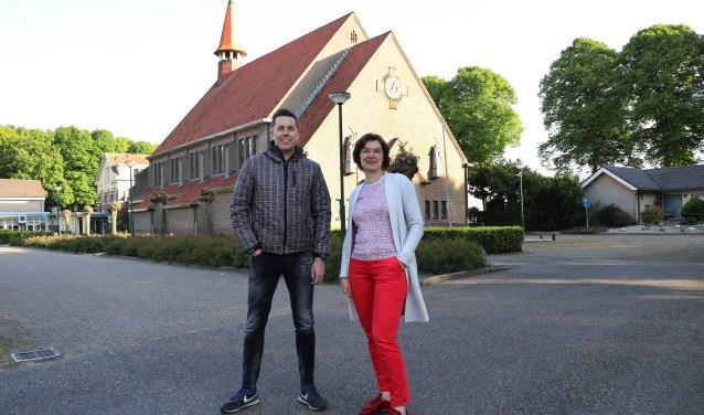 """Ivonne van der Horst en Martijn van Hal: """"We mogen investeren in ons dorp."""" (foto Marco van den Broek)"""