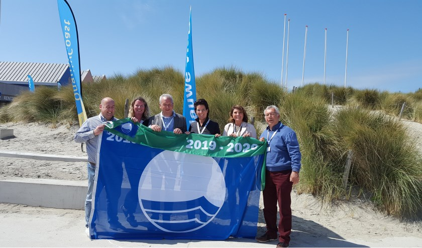 Jachthaven en camping De Helling ontving in Ouddorp aan Zee met enig trots opnieuw het keurmerk Blauwe Vlag.