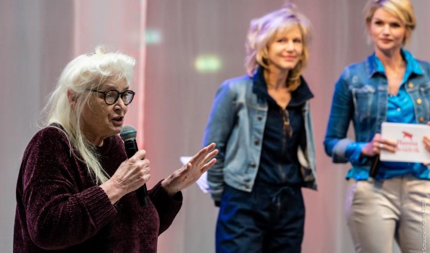 Liesbeth Coltof met Johanna ter Steege en Tooske Ragas op de persdag van Hanna van Hendrik. Foto: De Schaapjesfabriek.