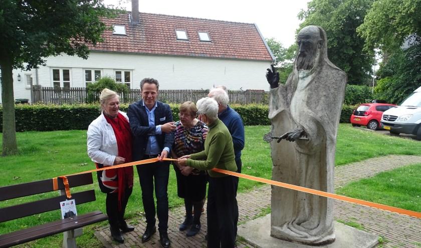 Opening van de route langs de gemeentelijke kunstwerken bij het beeld van Petrus, onderdeel van deze route