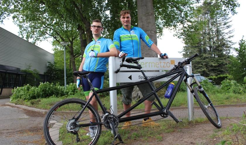 Wesley woont Intermetzo in Eefde. Hij beklimt op 13 juni samen met begeleider Nick op de tandem de Mont Ventoux.