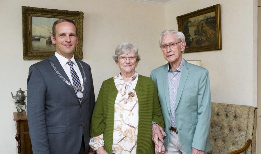 Fam. Mijnster 60 jaar getrouwd. (Foto: Richard van Hoek)