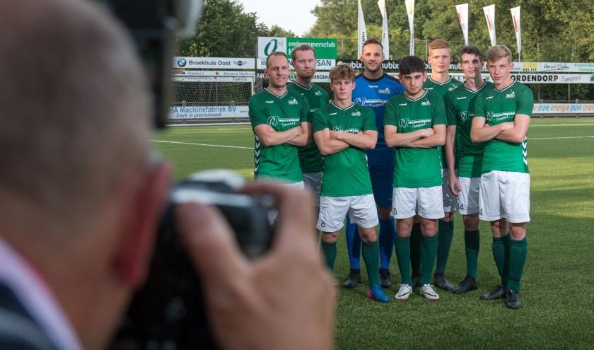 Nieuwelingen Robbert Smit, Michael Wensing, Hidde van Dijk, Wouter Lankheet, Ediz Moldur, Mika Schrijver, Koen Somhorst en Sven Mentink (vlnr).