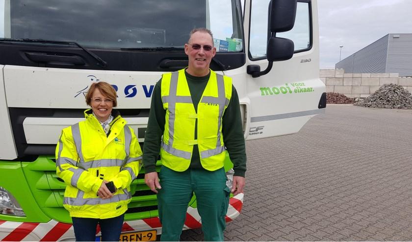 Tineke Zomer is op werkbezoek bij de ROVA. Samen met chauffeur-belader Clemens Meijer doen ze een dienst in het buitengebied.