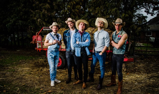 Deze vijfkoppige bluegrassband vertaalt bekende pophits naar moderne country.