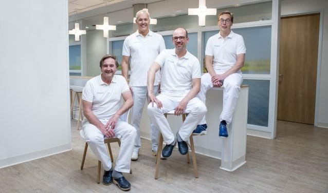Foto De urologen Eric Vrijhof, (Catharina Ziekenhuis), Jean-Paul van Basten (Canisius Wilhelmina Ziekenhuis), Rik Somford (Canisius Wilhelmina Ziekenhuis) en Michiel Sedelaar (Radboudumc).