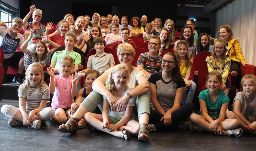 Leerlingen van Music Academy GLOW verheugen zich op de komende voorstelling. Foto: Wendy van Lijssel