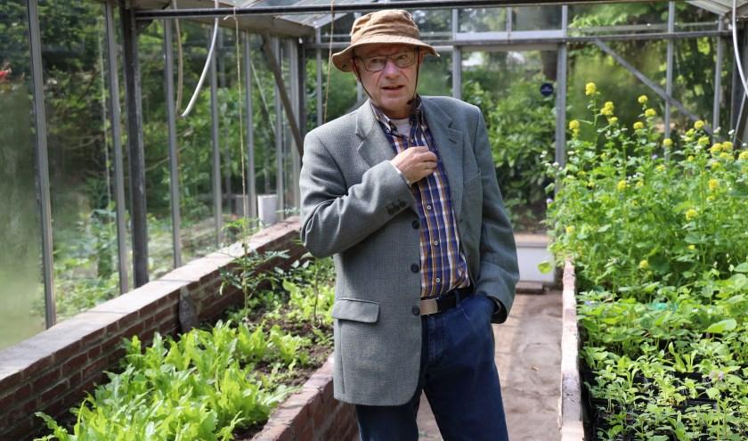 Jan Leermakers woonde jarenlang met zijn vrouw en drie kinderen in Grave. Tot hij twaalf jaar geleden zijn vleugels uit wilde kunnen slaan. (foto: Marco van den Broek)