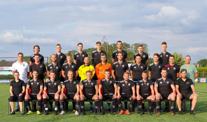 Het Regioteam Achterhoek met coach Huub van Laarschot (2e rij rechts)