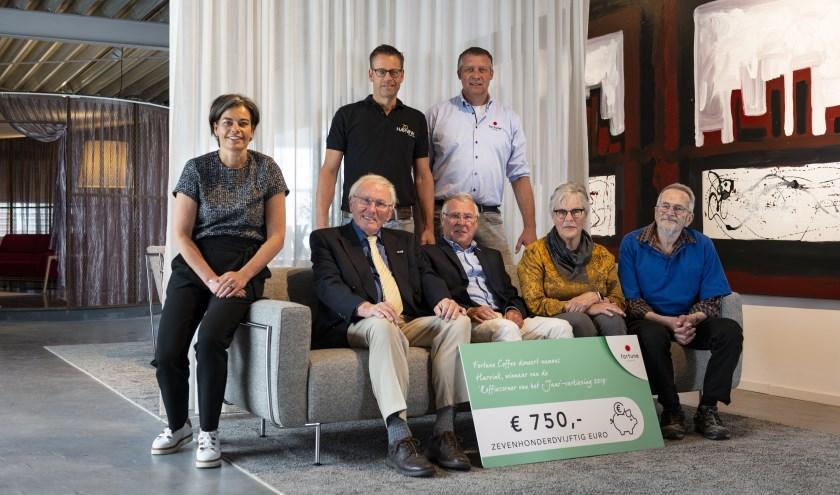 Staand: Sander Prinsen en Ulrich van Egdom. Zittend: Alette Trompetter, Kees Mulder, Hans van Dis, Lenie Hummelink, Theo Trompetter.