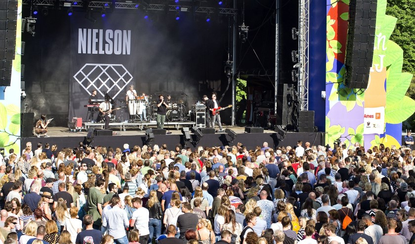 Nielson op Live At Wantij (foto: Jeroen Verbueken / Fotopersburo Busink)