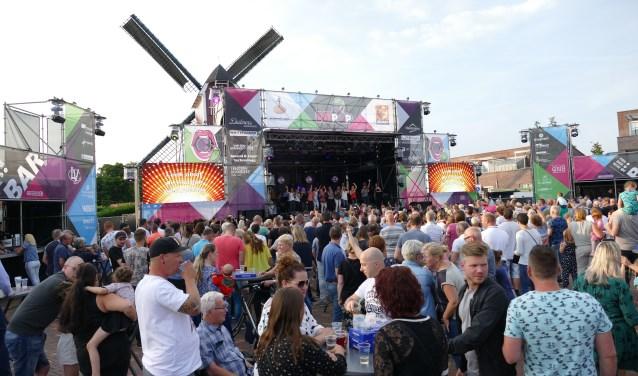 Heerlijk weekendje Pitpop op Mierlose Molenplein. Foto: Jos Lenssen)