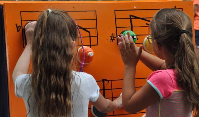 In een fraaie Muziektuin leren kinderen spelenderwijs omgaan met muziek. FOTO: Ad Adriaans.