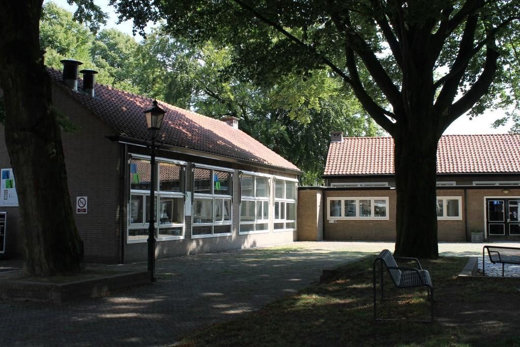 Het schoolgebouw op 't Zand is momenteel in erfpacht gegeven aan 'De Borghman'.  Foto: Leo van der Linde © Persgroep