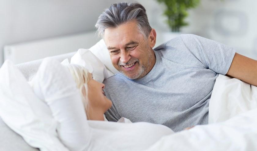Samen slapen en het bed delen kan dankzij het koppelbed ook in een zorgomgeving.