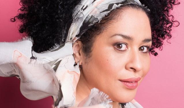 Vorig seizoen was Tania's voorstelling Kross' 2000 van Bach tot Beyoncé pijlsnel uitverkocht in het Isala.