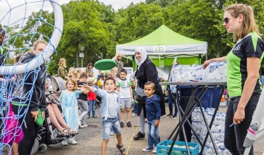 Samen met lokale organisaties zorgt Synerkri dit jaar weer voor veel buitenspeelplezier op het Tuyterplein.