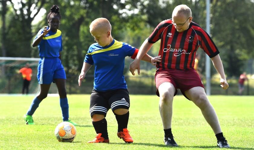 De speler (VV MEC/SV Bredevoort) in het midden is gescout voor het G-team van de Graafschap die uitkomt in ere divisie competitie die vanaf september begint.