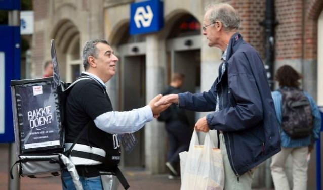 Wereldvluchtelingendag - 20 juni: Bakkie Doen op station Rotterdam Centraal