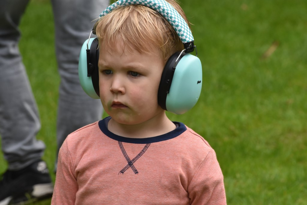 Oorbeschermer voor deze jonge gast Foto: Jan Verniers © Persgroep